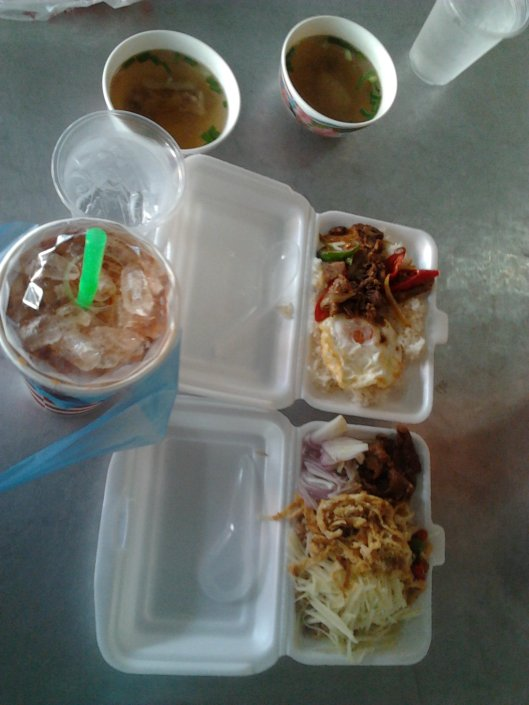 breakfast at Maharaj market wt Cha yen...