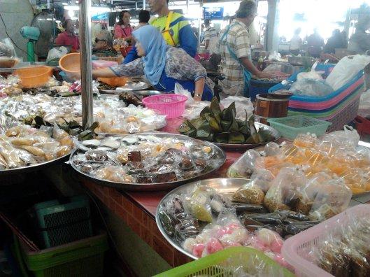 kuih-muih at Maharaj market