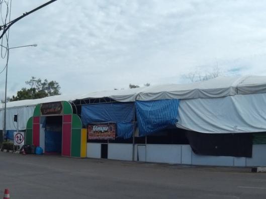 booth sempena loy krathong festival selama seminggu kalau tak silap..