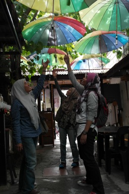 ~posing wt colorful umbrella at busy bodhi coffee & tea..