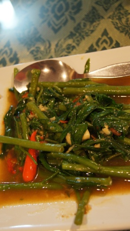 ~(kangkung goreng belacan) our dinner at Usman restaurant, sukhumvit, bangkok..