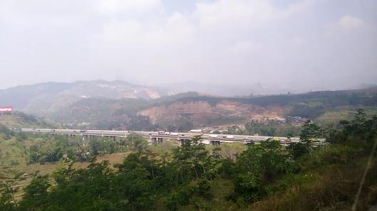view train journey Jakarta-Bandung (Agro prahyangan)