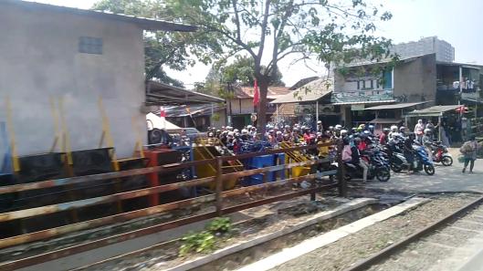 view train journey Jakarta-Bandung (Agro prahyangan)-164954